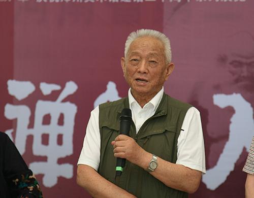 展览展出了郑州画院前辈书画家李智先生从艺生涯中各个时期的多幅代表图片